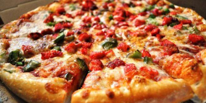 طريقة عمل البيتزا فى المنزل و أسرار نجاحها بطريقة سهلة